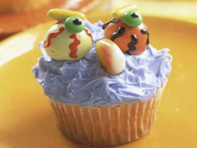 Eyeball cupcakes, spooky costumes