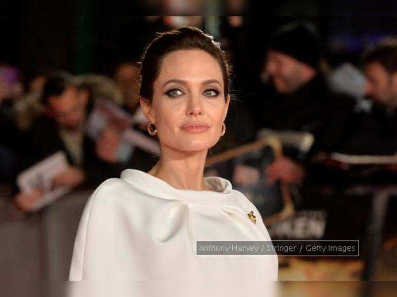 Angelina jolie feared nude by the sea scene after double