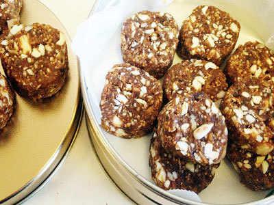 Baked and sugar-free faral for Kolhapuris this Diwali
