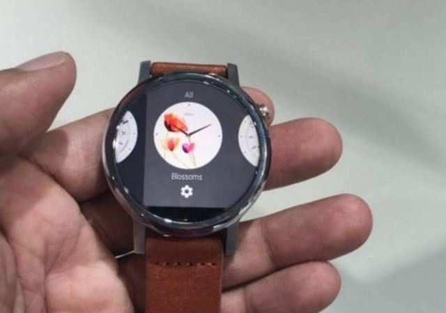 Moto 360 (2nd-gen) smartwatch comes in three variants.
