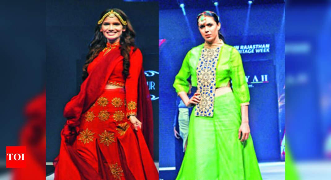 Weavers Turn Designers On Jaipur Ramp Times Of India