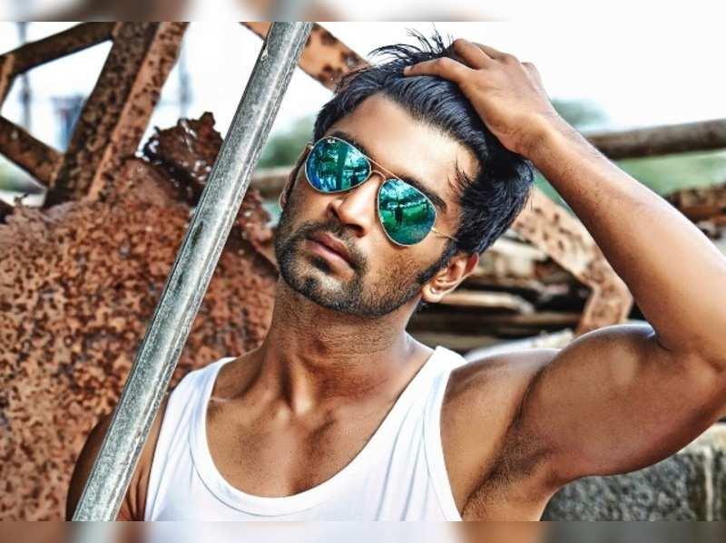 Atharvaa's film set damaged; will resume shoot from January