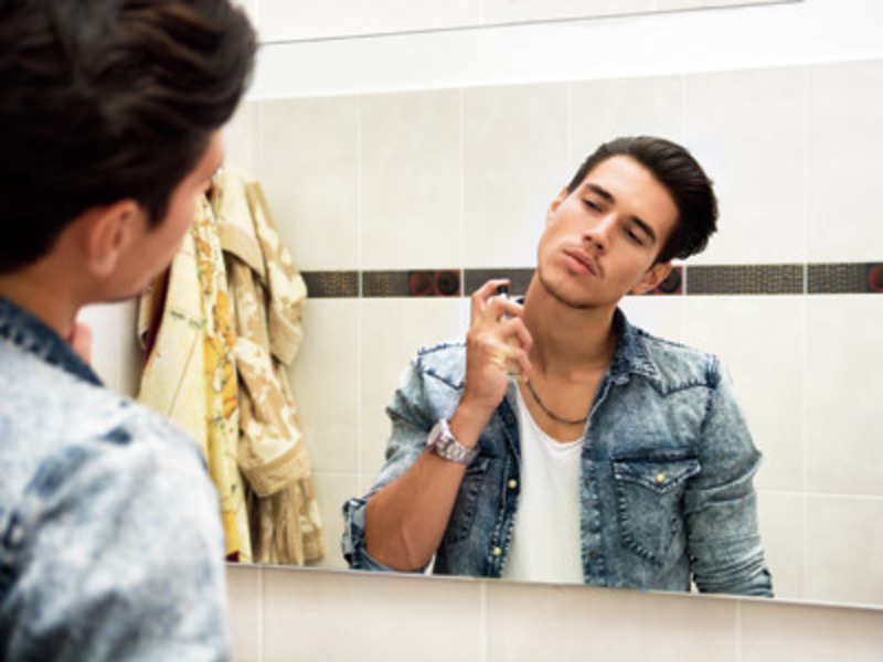 Grooming essentials for men before heading to a party