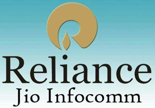 Reliance Jio signs partnership with RCOM for 4G spectrum sharing.