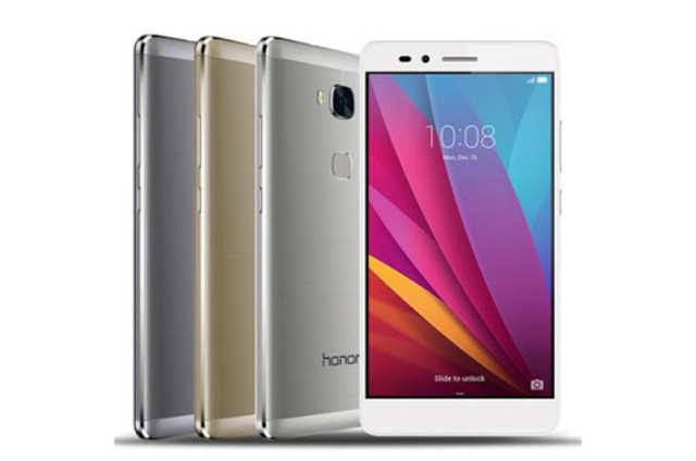 Huawei Honor 5X features a 13MP primary camera with LED flash and a 5MP secondary camera to facilitate video calling.