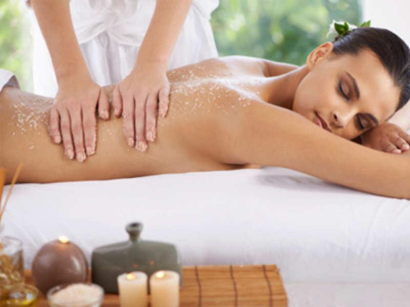 Salt scrubs: An easy sensuous skin therapy
