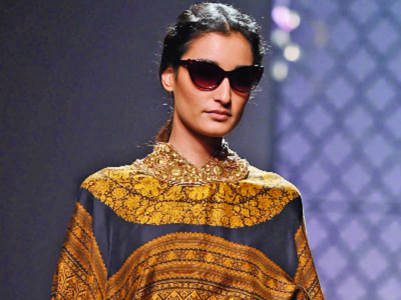 AIFW Day 4: Colours of autumn