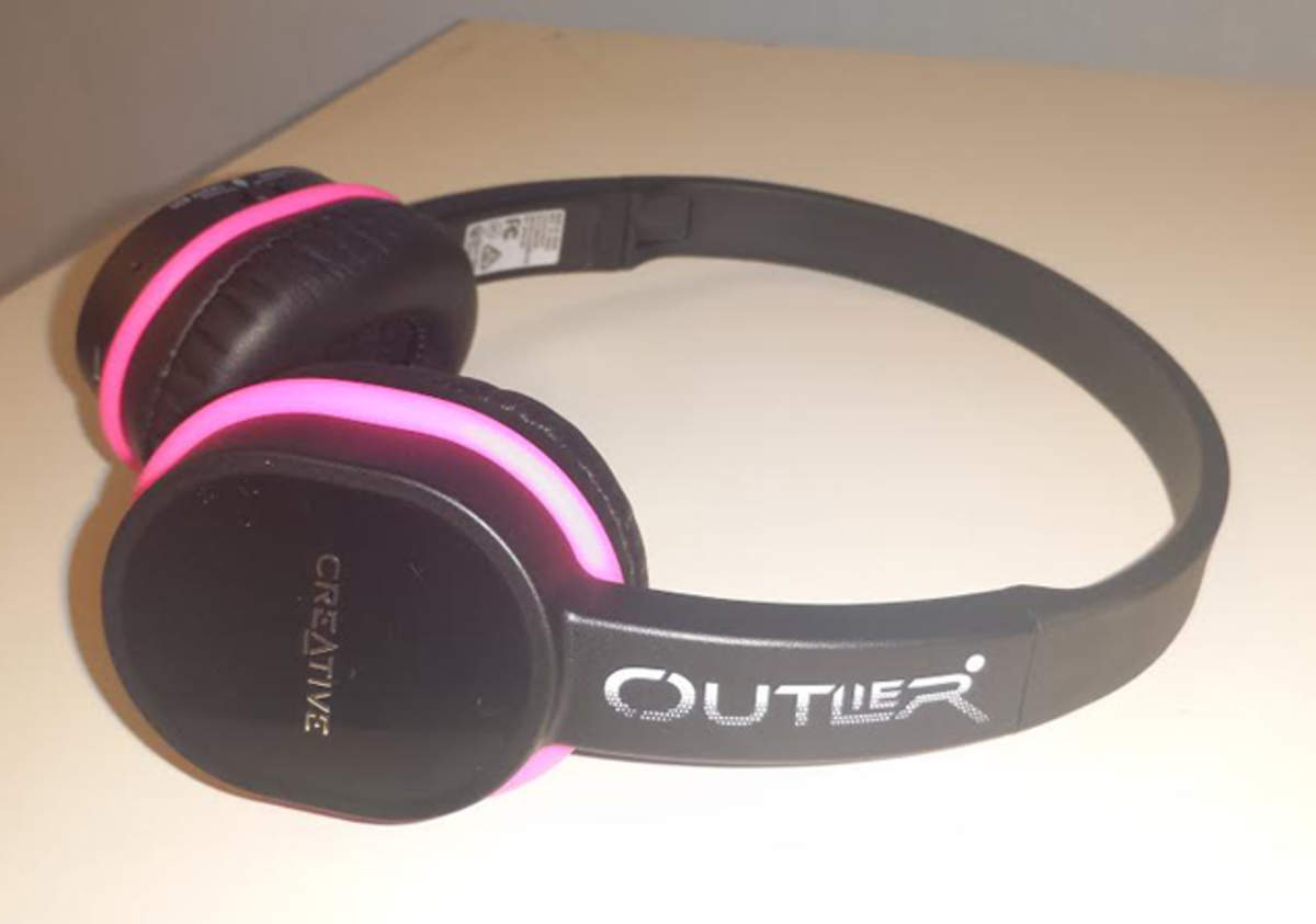 Creative Outlier Bluetooth Headphones Review Good Buy Under Rs 5 000 Gadgets Now