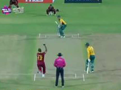 AB De Villiers Four Runs Andre Russell To 4