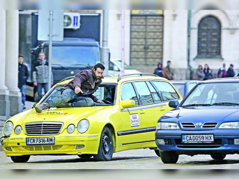 Ajay Devgn saved in the nick of time while performing dangerous stunt in Bulgaria