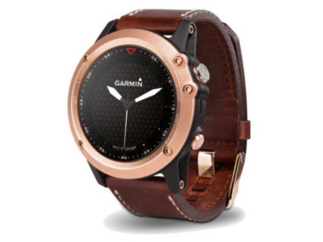 Garmin Fēnix 3 Rose Gold multisport watch is powered by a omni-directional steel EXO antenna.