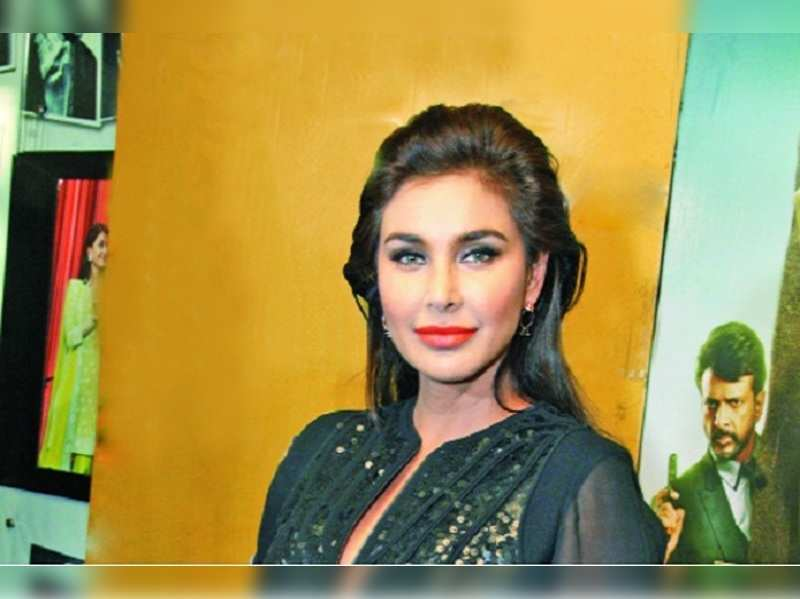Lisa Ray: Felt a sense of responsibility to go back and work after cancer