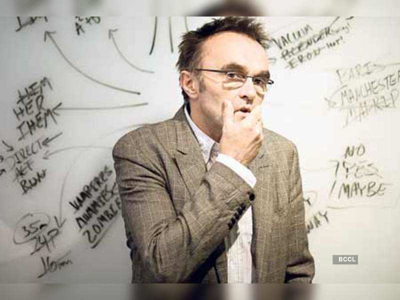 """Danny Boyle     <a href=""""http://photogallery.indiatimes.com/articleshow/msid-4655097.cms"""" target=""""_blank"""">More Pics</a>"""