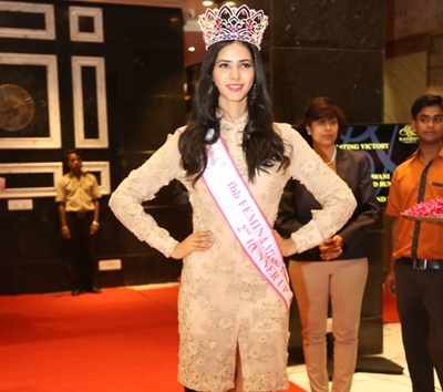 Celebrations didn't seem to end for fbb Femina Miss India 2016 second runner-up Pankhuri Gidwani