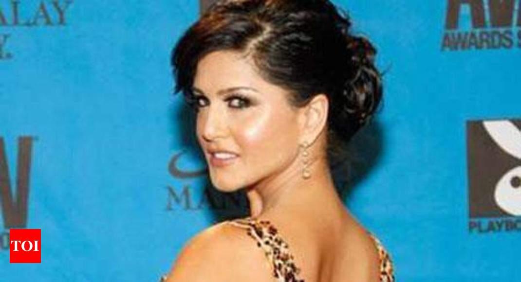 Sunny Leones Nude Photo Pops Up On Hyderabad Civic Bodys Website  Hyderabad News -5457