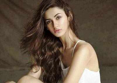 Aditi Arya: Gurgaon has young, ambitious people, I imbibed that too