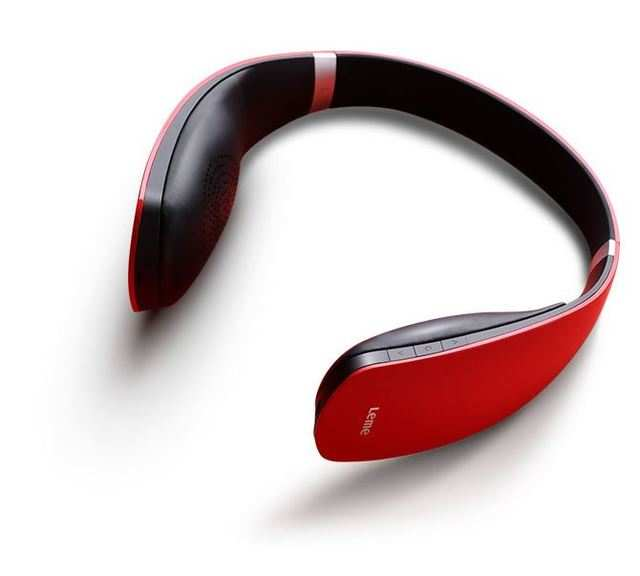 The LeEco Bluetooth headphones are available in pink, red, orange and white colour variants.