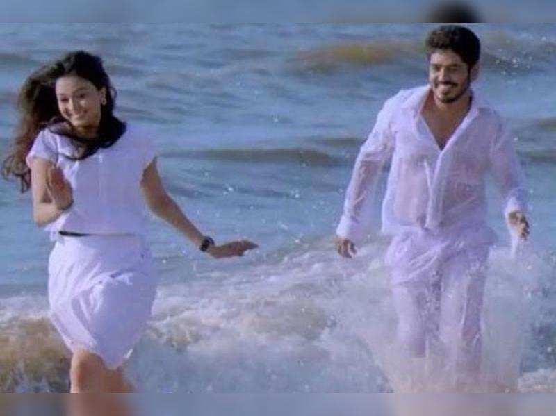 Pagal Nilavu is a sequel to Andal Azhagar