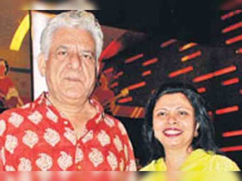 """Om and Nandita Puri <a href=""""http://photogallery.indiatimes.com/articleshow/5041082.cms"""" target=""""_blank"""">More Pics</a>"""