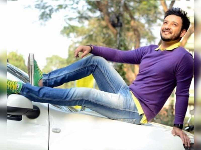 Shaheb makes a comeback as Topshe