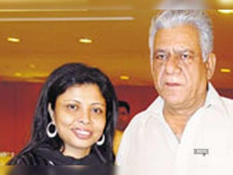 "Nandita &amp; Om Puri  <a href=""http://photogallery.indiatimes.com/articleshow/5041082.cms"" target=""_blank"">More Pics</a>"