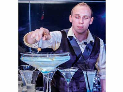 Australian mixologist creates unique city-inspired drinks