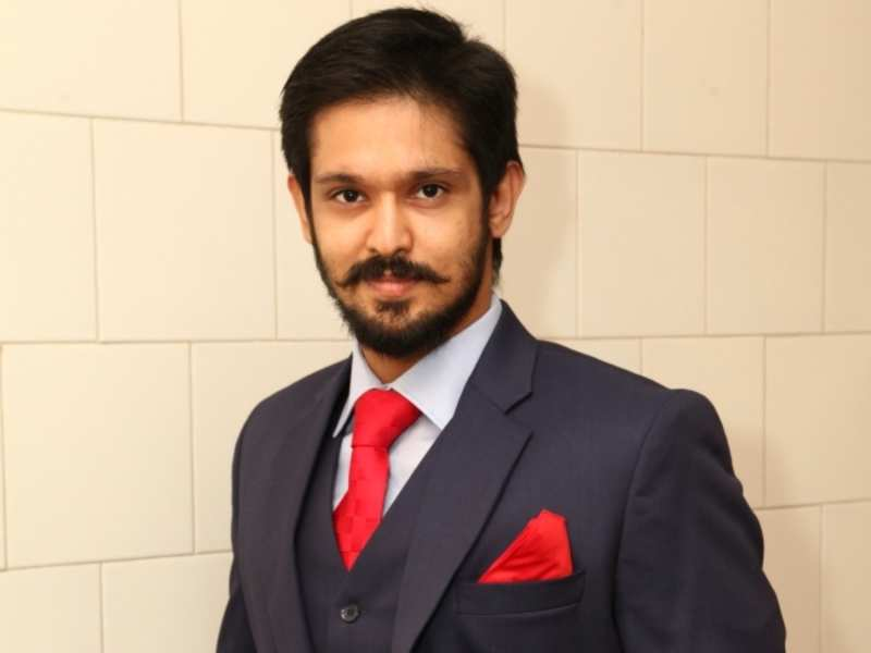 Nakul is a wannabe actor in Sei