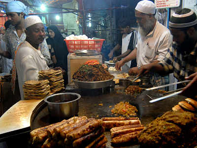 Specialized chefs give Ramzan delicacies a flavourful twist