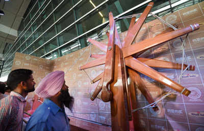 Shiv Sena: World's largest charkha unveiled at Delhi airport | India