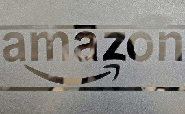 Amazon beats Flipkart as the most-downloaded shopping app in India