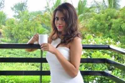 Priyadarshini Chatterjee, fbb Femina Miss India World 2016 explores the exotic Soma Vine Village