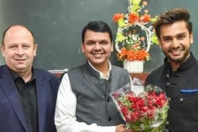 CM congratulates Mr World 2016 Rohit Khandelwal