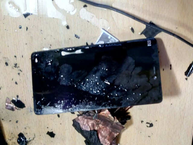 Xiaomi: User claims his Xiaomi Mi 4i smartphone suddenly exploded in