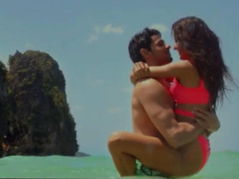 Katrina Kaif Baar Baar Dekho Trailer Katrina Kaif Sidharth Malhotra Get Caught In A Time Travel Love Story Hindi Movie News Times Of India