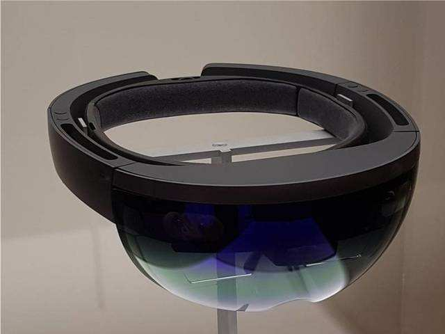Now you can buy the Microsoft HoloLens for Rs 2 lakhs