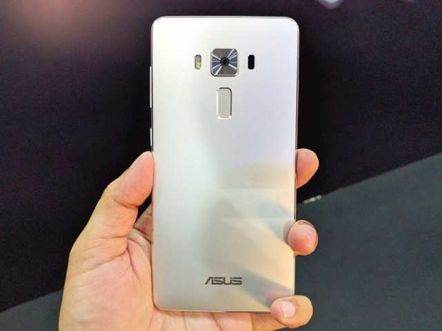 Asus Zenfone 3 Deluxe: First impressions