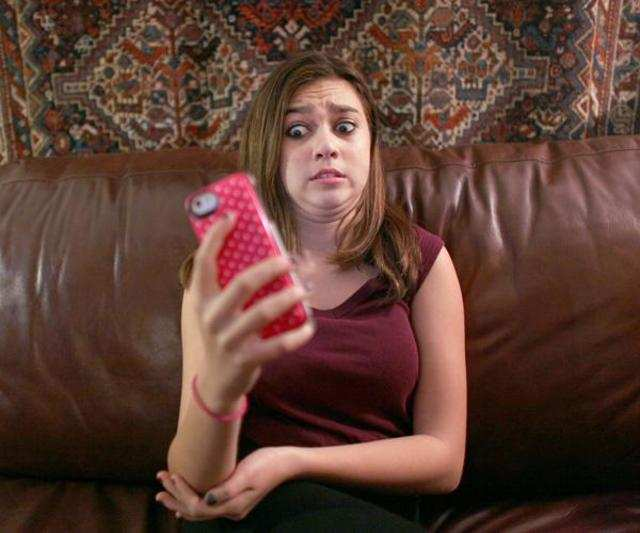 Cyberbullying hurts both bullies and victims equally: Study