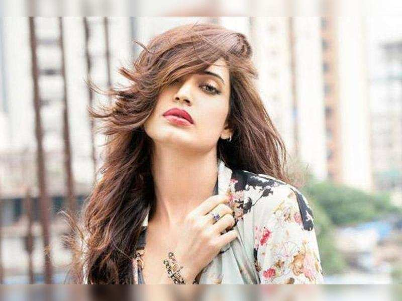 I deserve being in films and that didn't happen: Karishma Tanna
