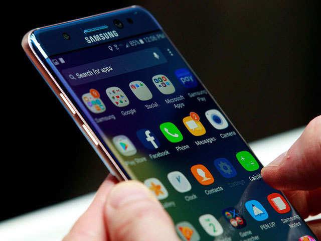 Smartphone makers set for bumper sales in Q3 2016: Report