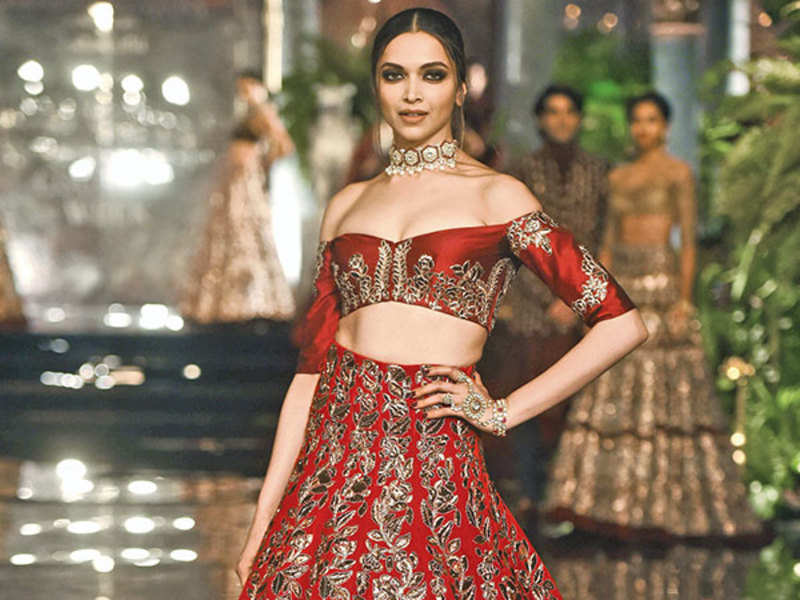 Deepika Padukone: Deepika Padukone misspelt as 'Peedika Padukone', fans  show displeasure on social media | Hindi Movie News - Times of India