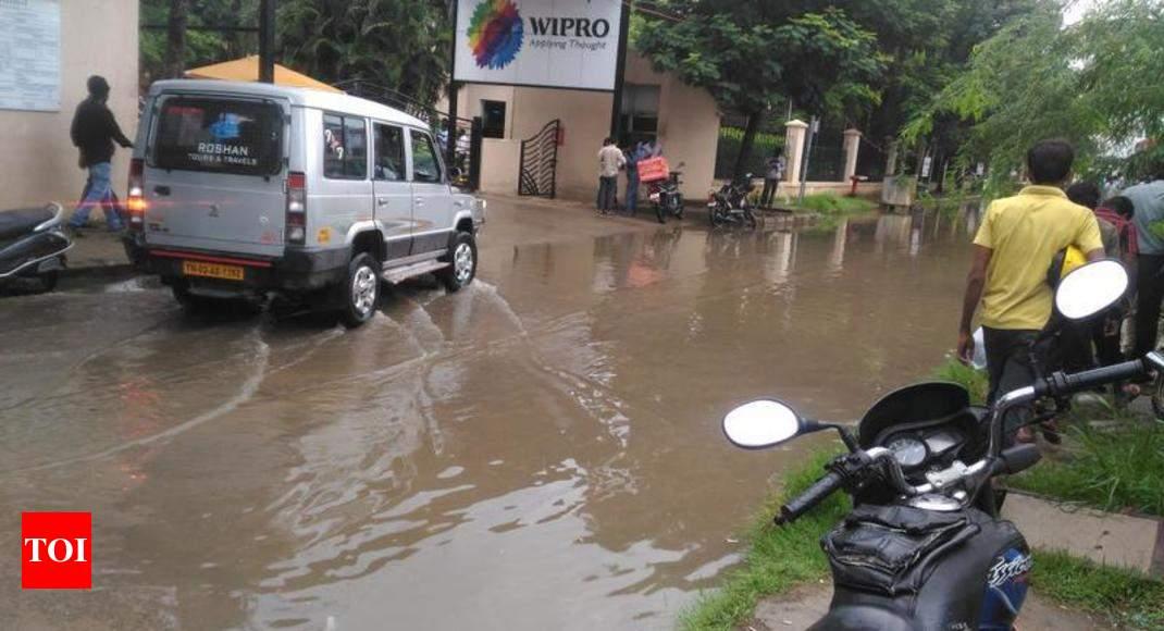 pool outside wipro office