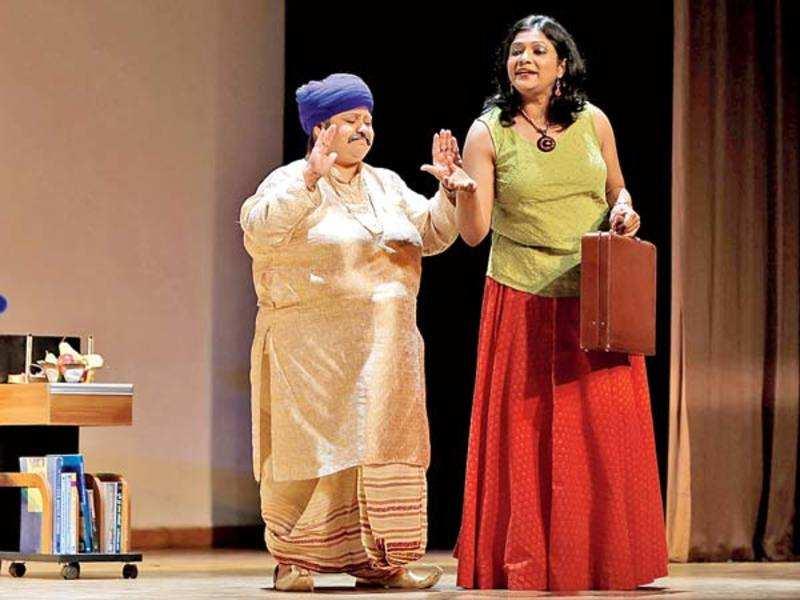 Monika Sharma as Omnath (L) and Seema Mitra as Diya (BCCL/Ajay Kumar Gautam)