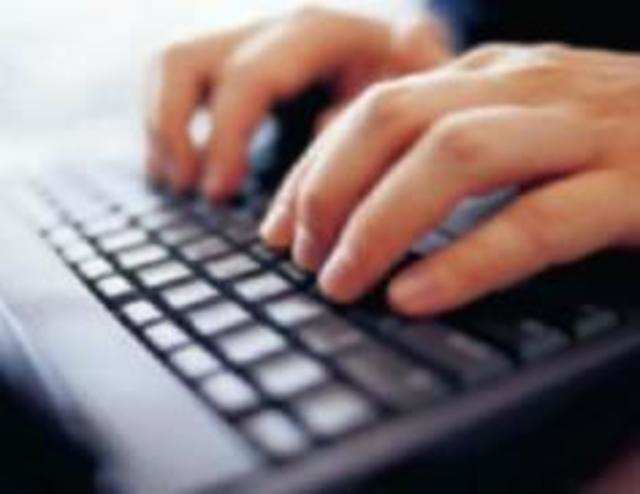 Online recruitment increased 17% in August: Report