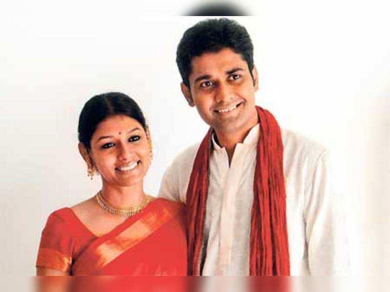 "Nandita Das and Subodh Maskara <a href=""http://photogallery.indiatimes.com/articleshow/4246568.cms"" target=""_blank"">More Pics</a>"