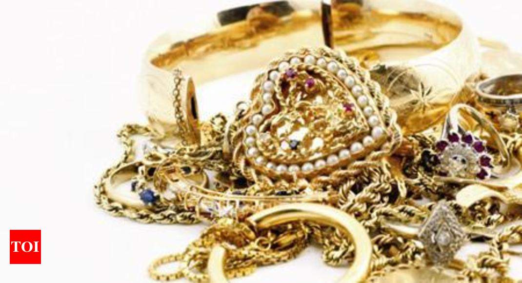 Image result for 15 sovereigns of jewellery stolen from house