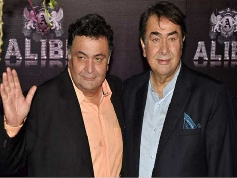 Randhir Kapoor 'slaps' journalist, Rishi Kapoor 'misbehaves' with fan