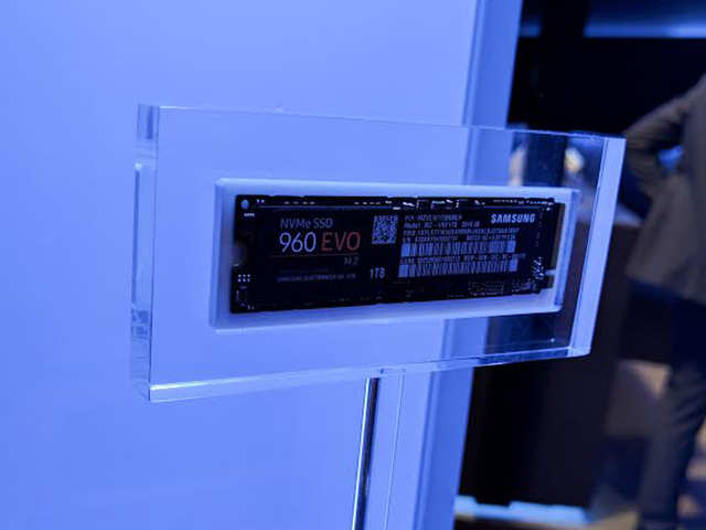 Samsung unveils 960 Pro and 960 EVO SSDs at its global SSD summit 2016