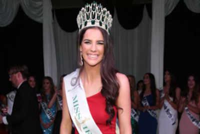 Niamh Kennedy crowned Miss World Ireland 2016