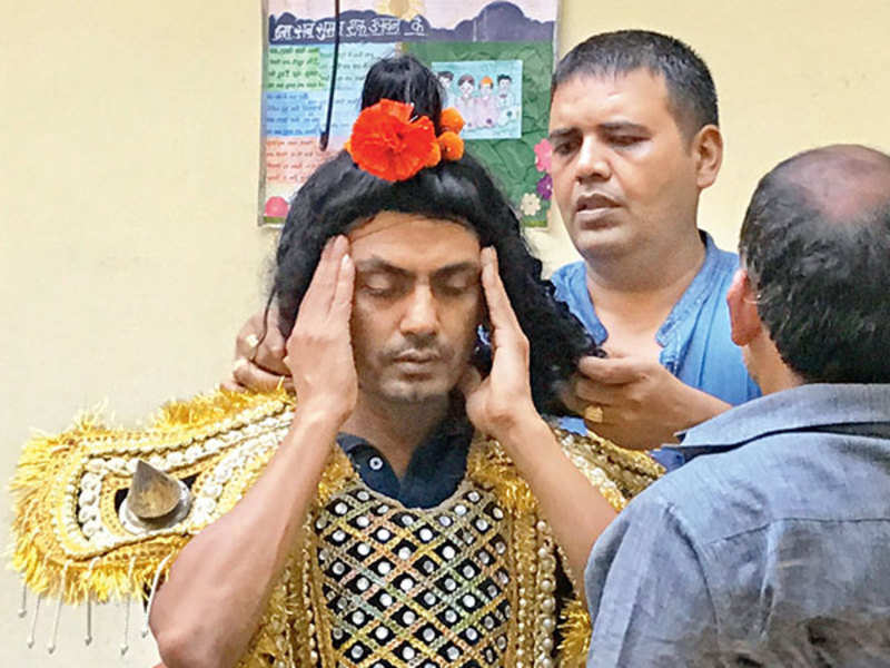 Nawazuddin Siddiqui getting ready to play Mareech at the Budhana Ramlila