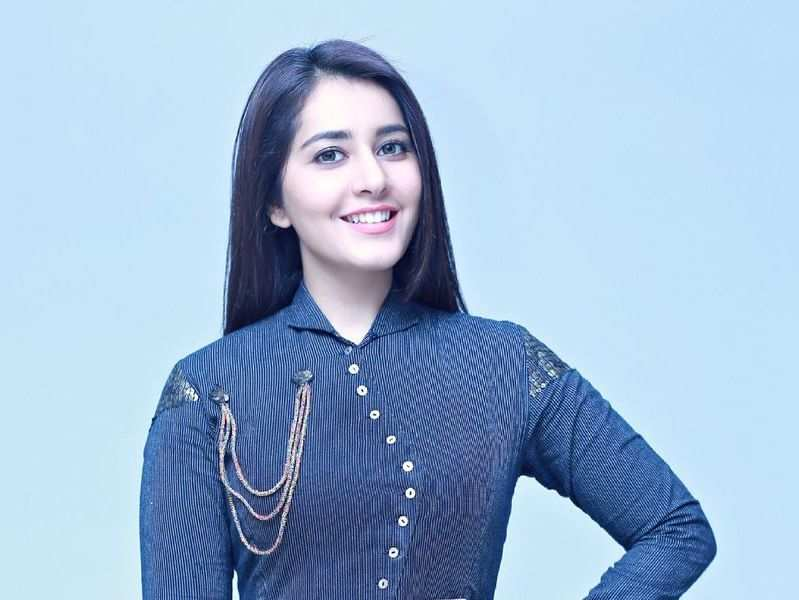 Raashi Khanna is getting diction classes from Siddharth